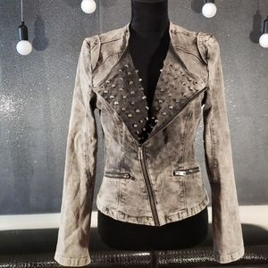 [Romeo & Juliet Couture] Distressed Studded Jacket